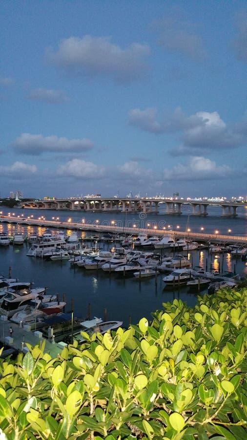 Un grande punto di pesca a Napoli, Florida che frequenteremmo fotografie stock