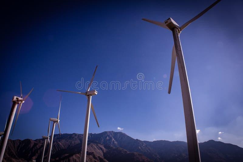 Un groupe de turbines de vent photos libres de droits