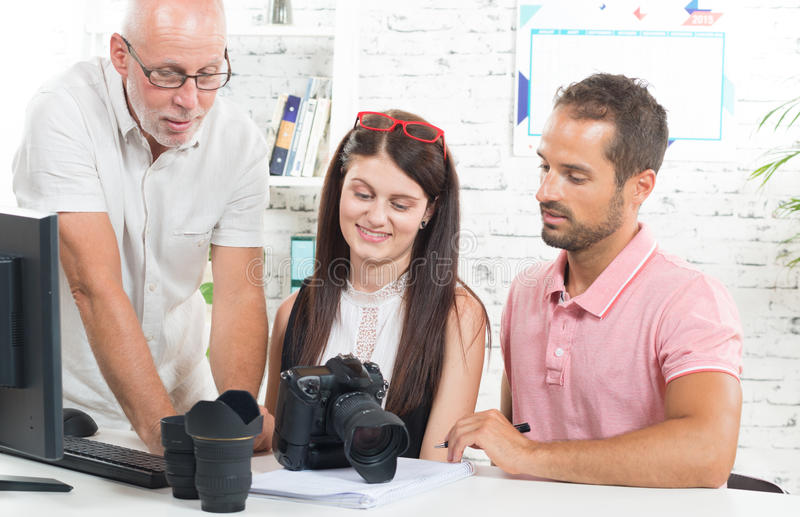 Un grupo de fotógrafos imagen de archivo libre de regalías