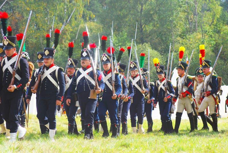 Un gruppo di soldati-reenactors (napoleonici) francesi immagine stock libera da diritti