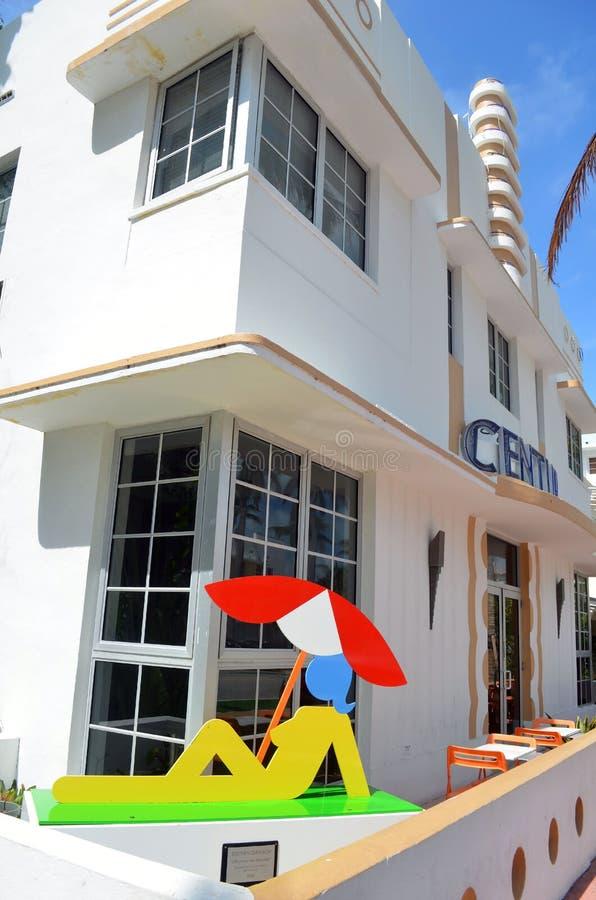 Un hôtel de boutique de luxe sur la commande d'océan images libres de droits