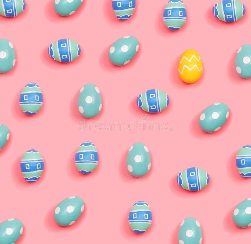 Un hacia fuera concepto ?nico del huevo de Pascua libre illustration
