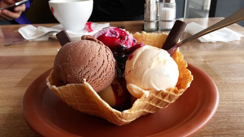 Un helado muy delicioso imagenes de archivo