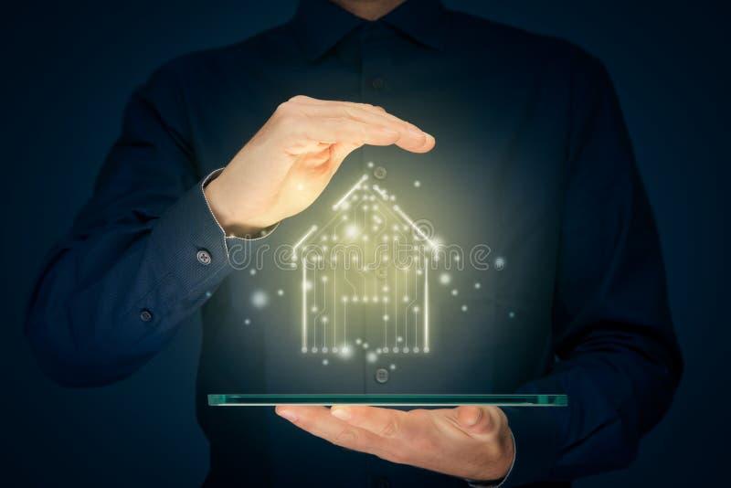 Un hogar inteligente y un concepto de casa inteligente foto de archivo