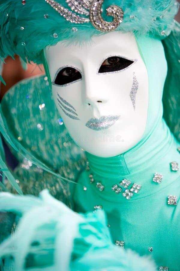 Un hombre en traje en el carnaval de Venecia imagen de archivo