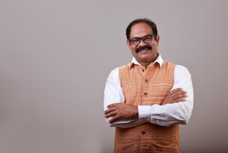 Un hombre indio sonriente foto de archivo