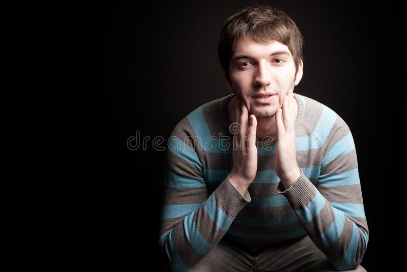 Un Hombre Joven Contento Hermoso Imagen de archivo libre de regalías
