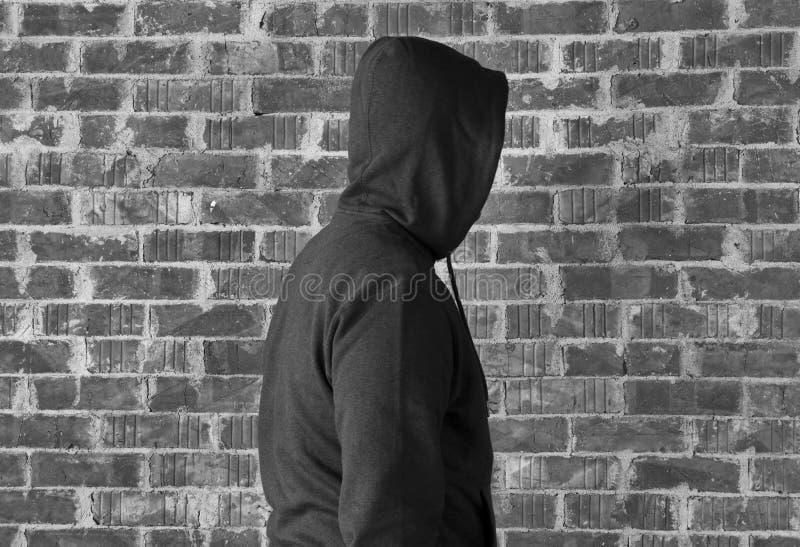 Un hombre más extraño, blanco y negro imagen de archivo