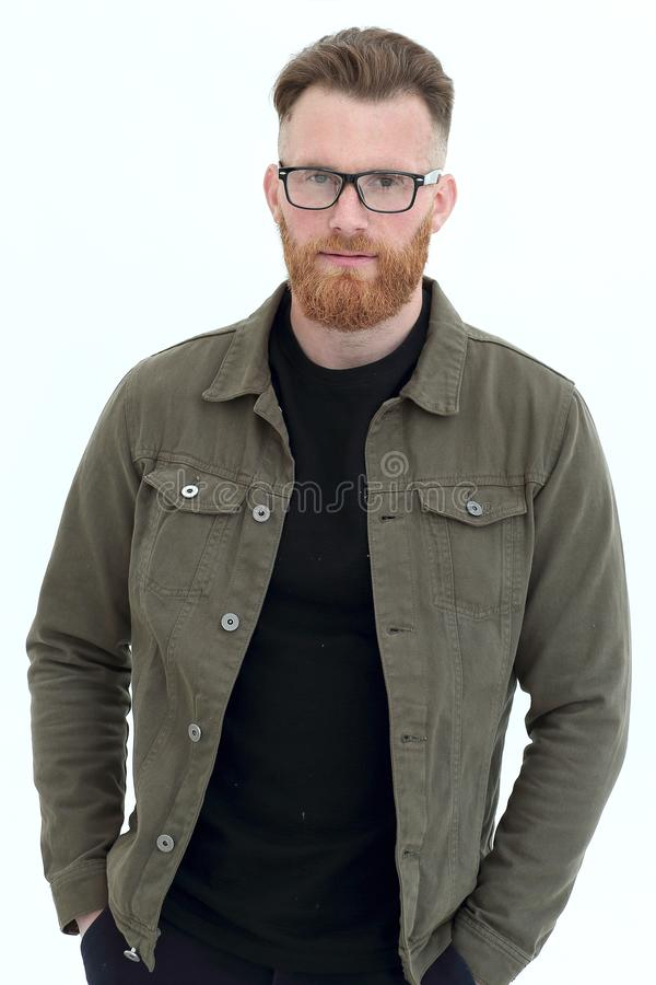 Un homme confiant dans un goulot d'étranglement noir isolé sur blanc photographie stock libre de droits
