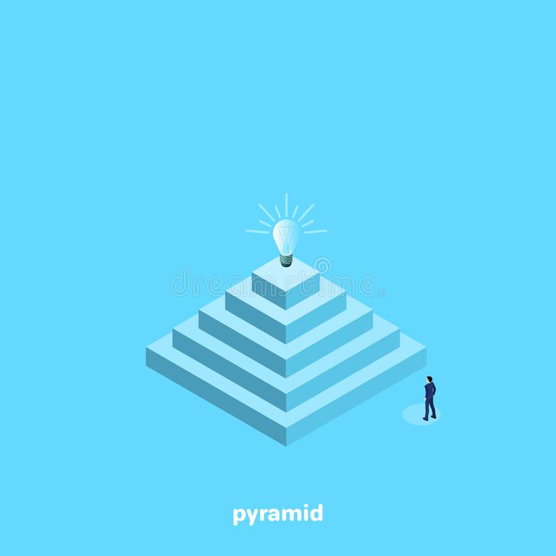 Un homme dans un costume se tient près d'une grande pyramide illustration stock