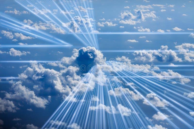 Un'immagine concettuale dei dati digitali che entrano nella nuvola immagini stock