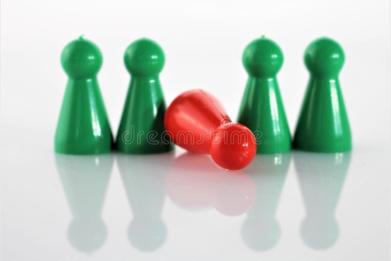 Un'immagine di concetto di un gioco Parcheesi, di un aggravamento e di una difficoltà - Ludo immagini stock libere da diritti