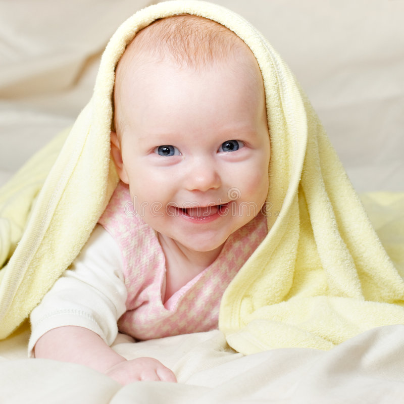 Un infante dei quattro mounth immagini stock libere da diritti