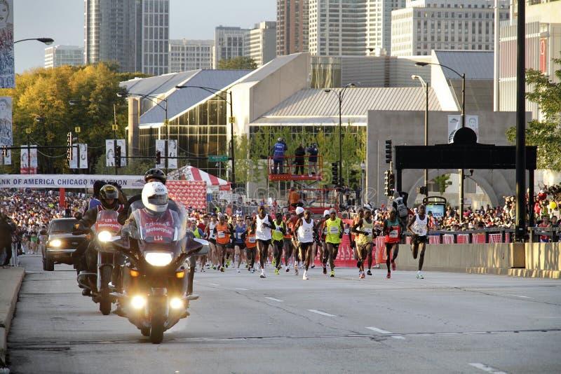 Un inizio della corsa 2009 di maratona del Chicago immagine stock