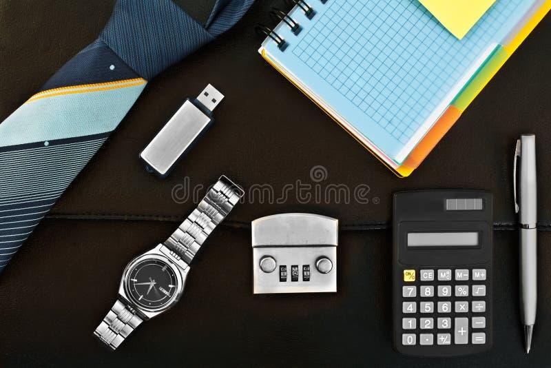 Un insieme degli accessori per l'affare fotografia stock