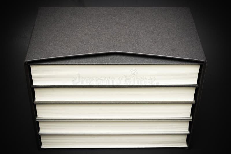 Un insieme dei libri di limite del panno fotografia stock libera da diritti