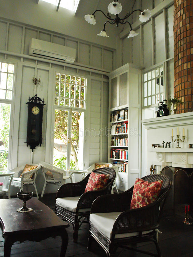 Un int rieur de la pi ce anglaise blanche de cottage image stock image du maison beau 29715895 - Cottage inglesi interni ...