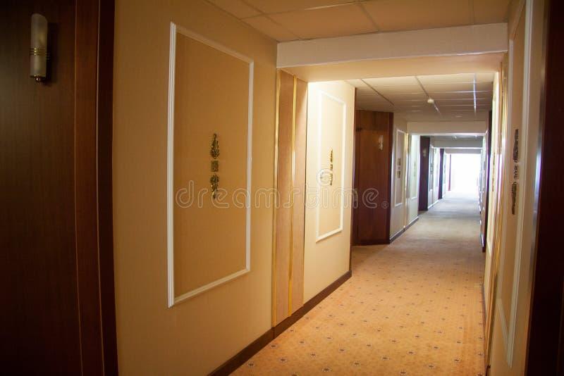 Un interior moderno hermoso del hotel fotos de archivo