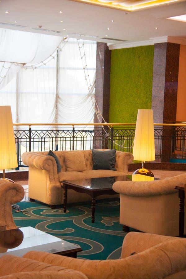 Un interior moderno hermoso del hotel fotografía de archivo libre de regalías