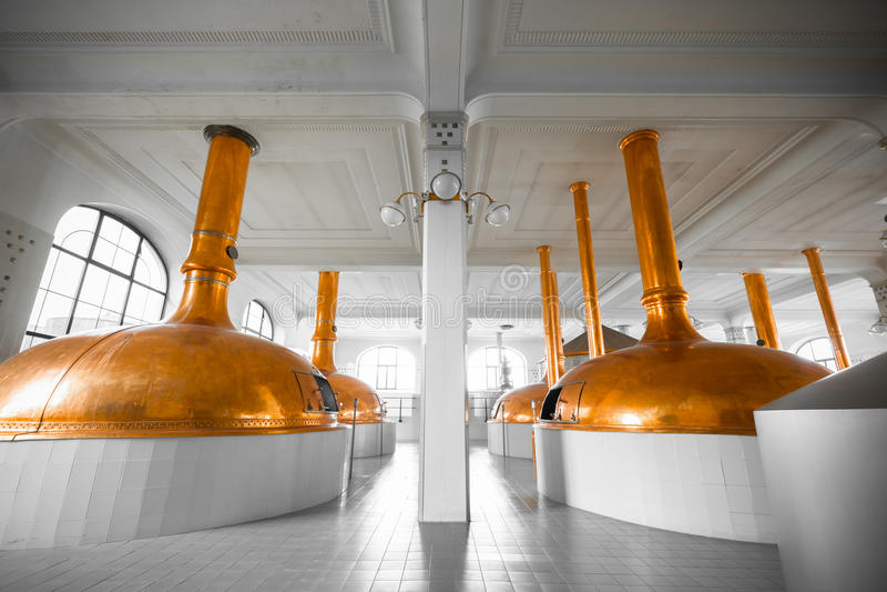 Un interno di costruzione della fabbrica di birra fotografie stock