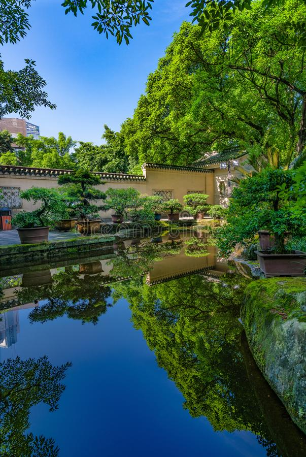 Un jardín hermoso del chino del estilo tradicional fotografía de archivo libre de regalías