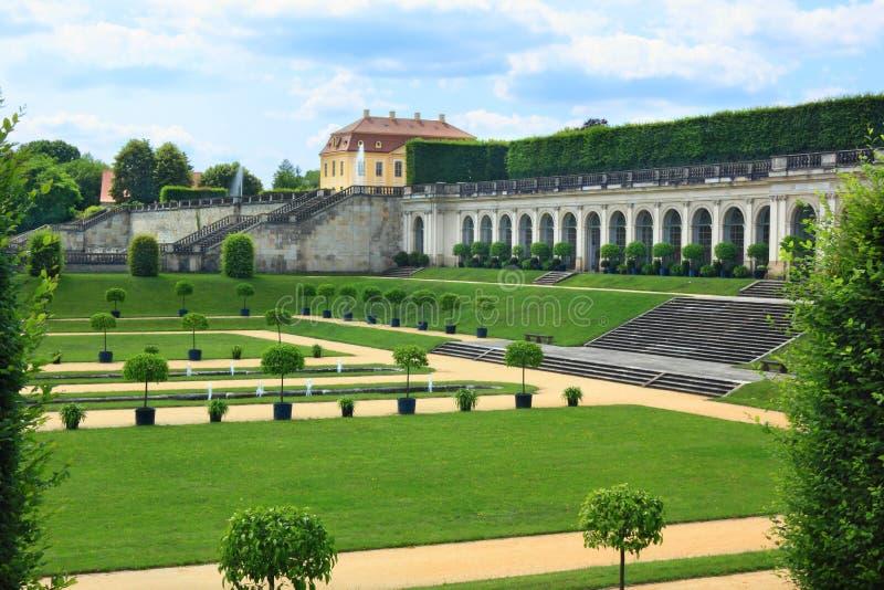 Un jardín histórico Grosssedlitz con las fuentes en Alemania fotografía de archivo