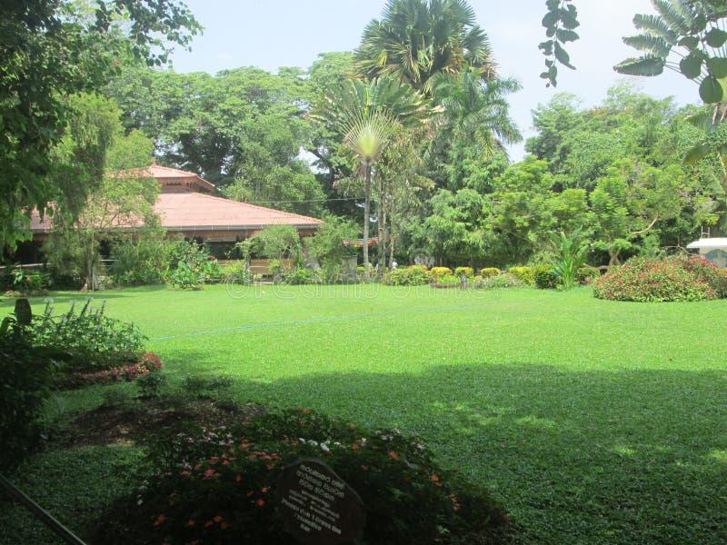 Un jardin dans le zoo de Dehiwala photo stock