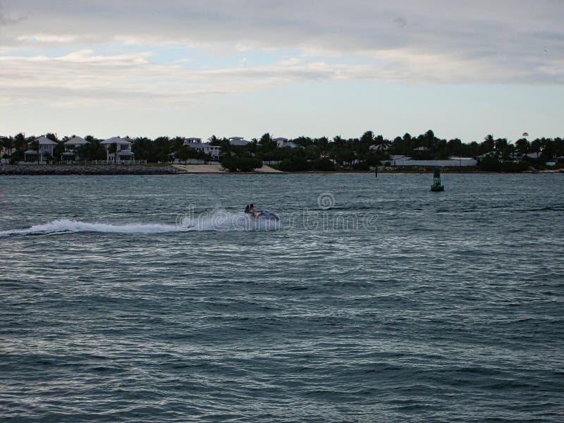 un jetski sull'oceano fotografia stock