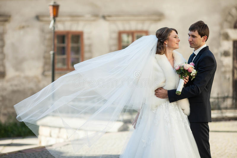 Un jeune couple image libre de droits