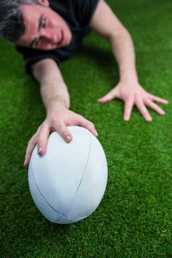 Download Un Joueur De Rugby Marquant Un Essai Photo stock - Image du : 56486132