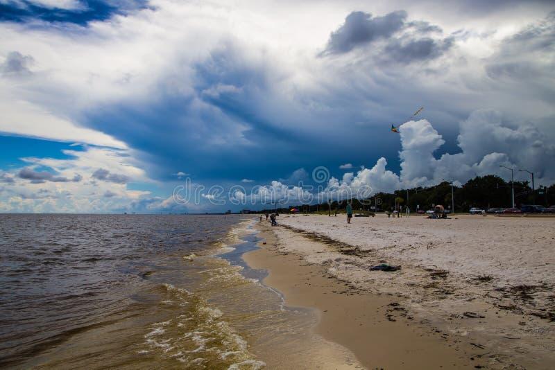 Un jour à la plage images stock