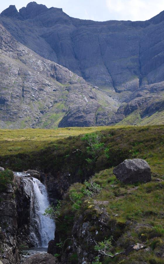 Un jour d'été brillant aux piscines féeriques, île de Skye, Ecosse photo libre de droits