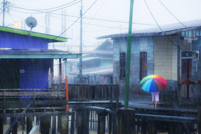 Un jour pluvieux dans le Kampong Ayer images libres de droits