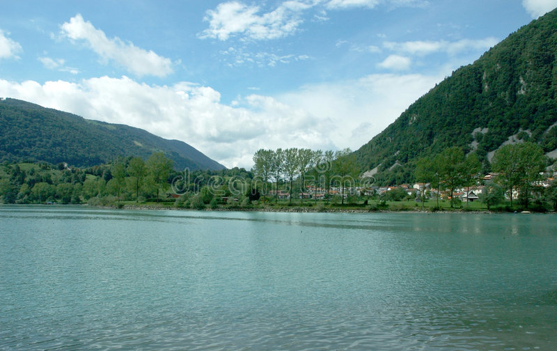 Un lago en Eslovenia fotografía de archivo