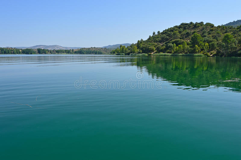 Un lago tranquilo imágenes de archivo libres de regalías