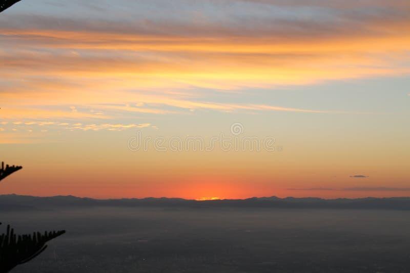 Un lever de soleil image libre de droits