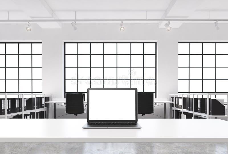 Un lieu de travail dans un bureau moderne lumineux de l'espace ouvert de grenier Un bureau fonctionnant est équipé d'un ordinateu illustration de vecteur