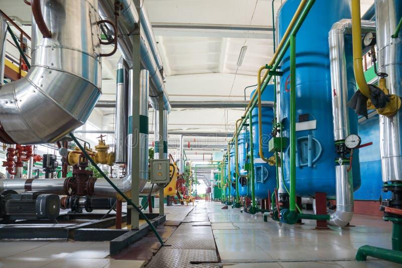 Un locale caldaie moderno Negozio di filtrazione dell'acqua immagine stock