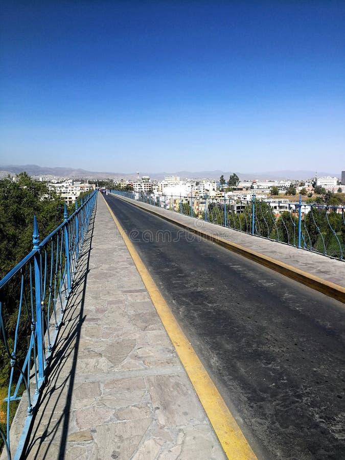 Un long pont photos libres de droits