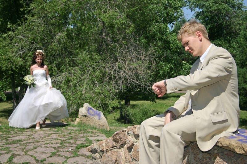 Un ménage marié neuf. images stock