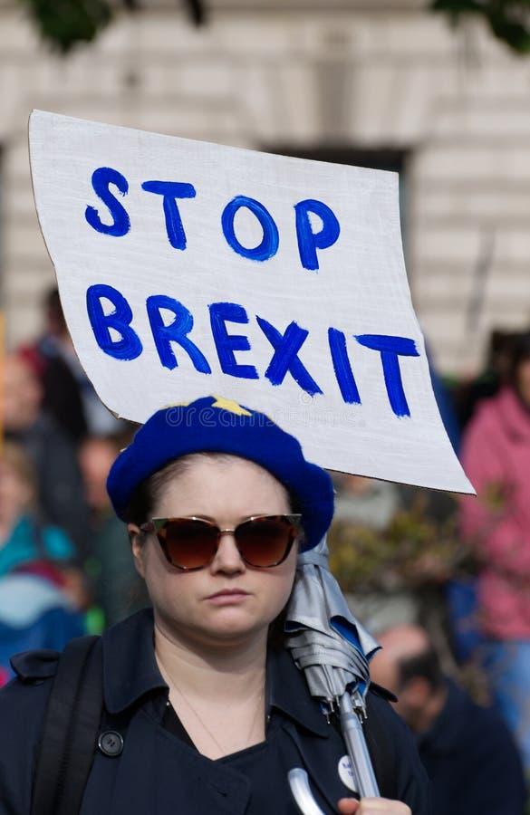 Un manifestant anti-Brexit sur la place du Parlement à Londres, Royaume-Uni, samedi 19 octobre 2019 photo stock