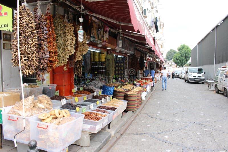 Un marché en plein air turc images stock