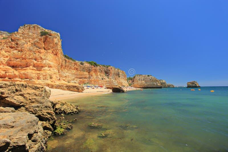 Un marinha del da di praia della spiaggia in Algarve immagini stock libere da diritti