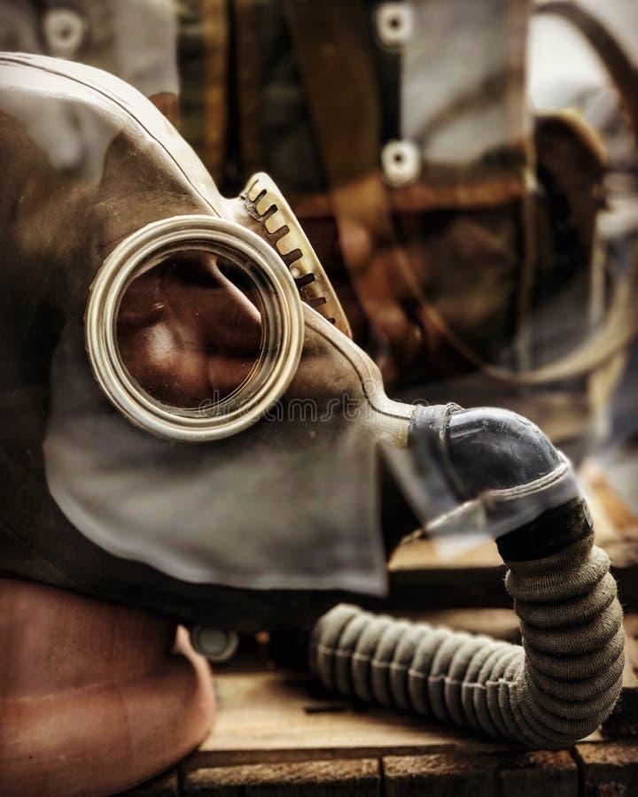 Un masque de gaz est sur l'affichage à une métro Art Display de Kyiv à Kiev ou Kyiv image stock