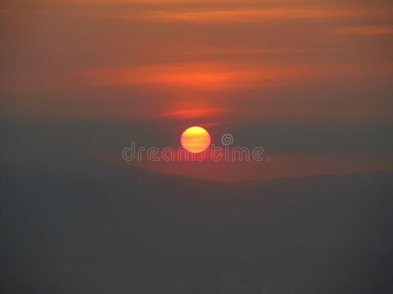 Un matin de gloire de vue avec le Sun image libre de droits