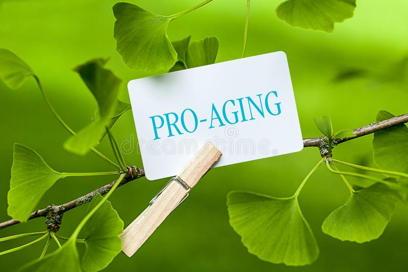 Un meilleur Pro-vieillissement qu'anti-vieillissement photos libres de droits