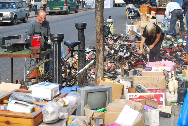 Un mercato di seconda mano aperto in Nottinghill, Londra fotografie stock