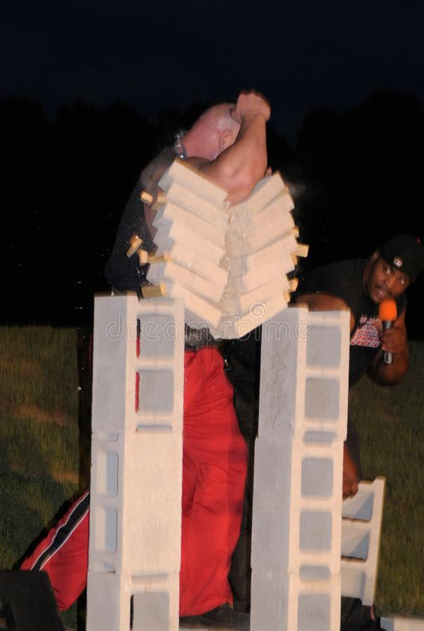 Un miembro de John Jacob; 'la fuerza del poder de s Next Generation rompe a varios tableros imagenes de archivo