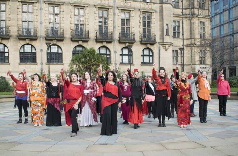 Un milliard de danse instantanée en hausse de foule à Sheffield photo libre de droits
