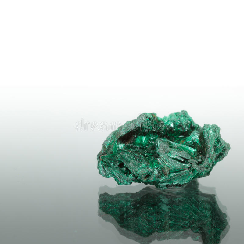 Un minerai de malachite image stock